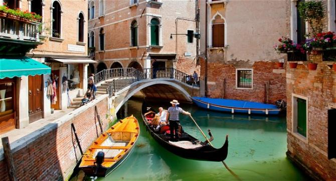 Venice - Half day Murano, Burano and Torcello & Gondola Ride