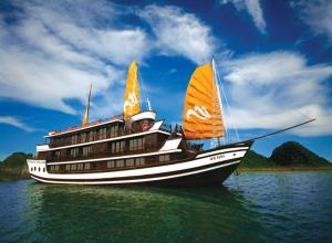 HANOI - HA LONG BAY - OVERNIGHT CRUISE