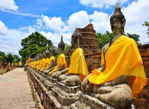 Bangkok / City & Temples Tours 08:30 am.